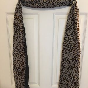 LOFT leopard long scarf